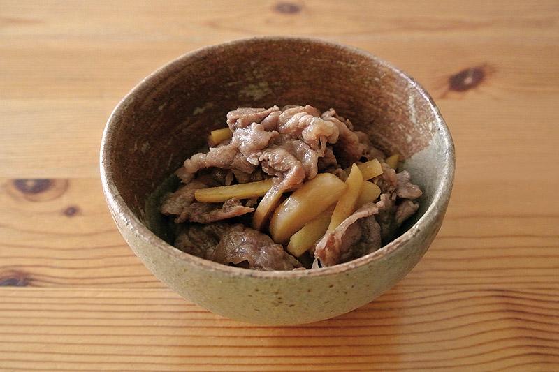 桜井花筵堂すき焼割り下で牛肉と生姜の炒め物