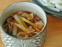 桜井花筵堂これぞ東村山うどんつゆで肉汁つけうどん